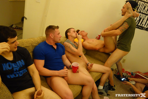 Brad and Four Frat Brothers - FraternityX.com