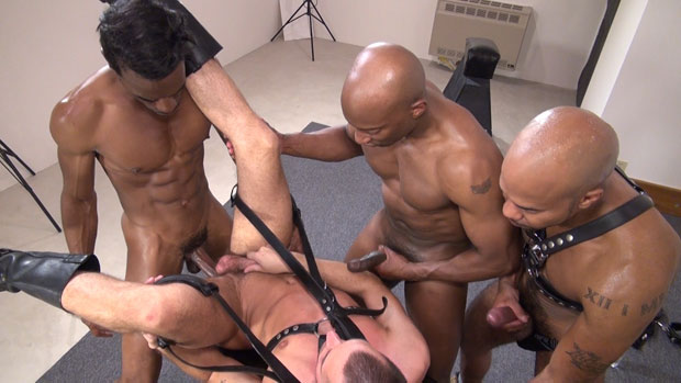 Watch Champ Robinson, Dylan Hyde, Gio Ryder, Chase Coxxx, Trelino, Cody Black and Justin Coxx have bareback sex at Bareback Box