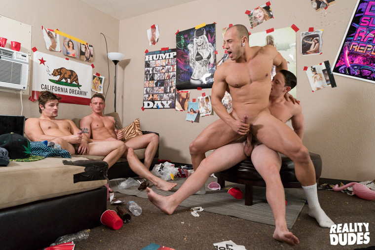 Charlie Pattinson, Gunner Canon, Tobias and Leon Lewis - Dick Dorm
