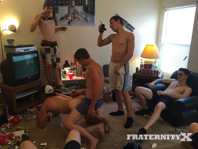 Watch Troy, Tyler, Tom, Orlando, Alex and Blake barebacking at FraternityX