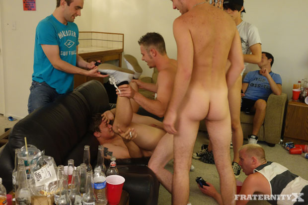 Watch Pike, Stiffer, Mike and Matt have bareback sex at FraternityX