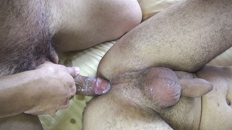 Watch Mario Cruz and Marcos Mateo barebacking at Raw Fuck Club