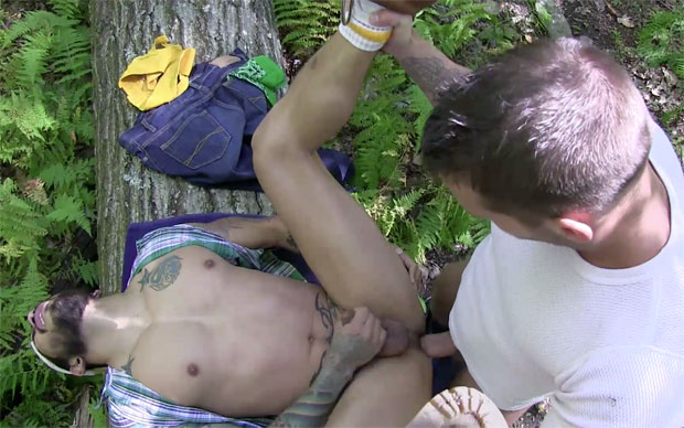 Watch Shane Frost and Draven Torres have bareback sex at Raw Fuck Club