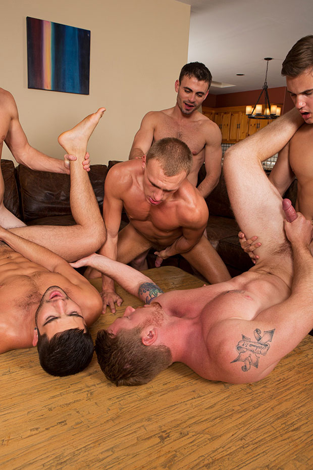 Watch David, Tanner, Bryce, Andy, Coleman and Noel have bareback sex at Sean Cody