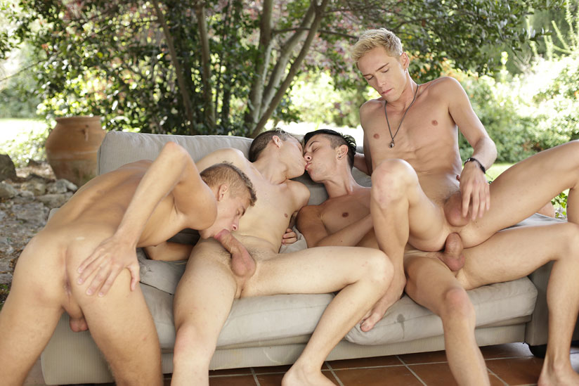 Kris Blent, Ray Mannix, Ruben Bart and Xavier Sibley - Staxus