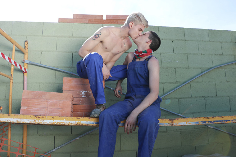 Mike Cole and Titus Snow - Staxus