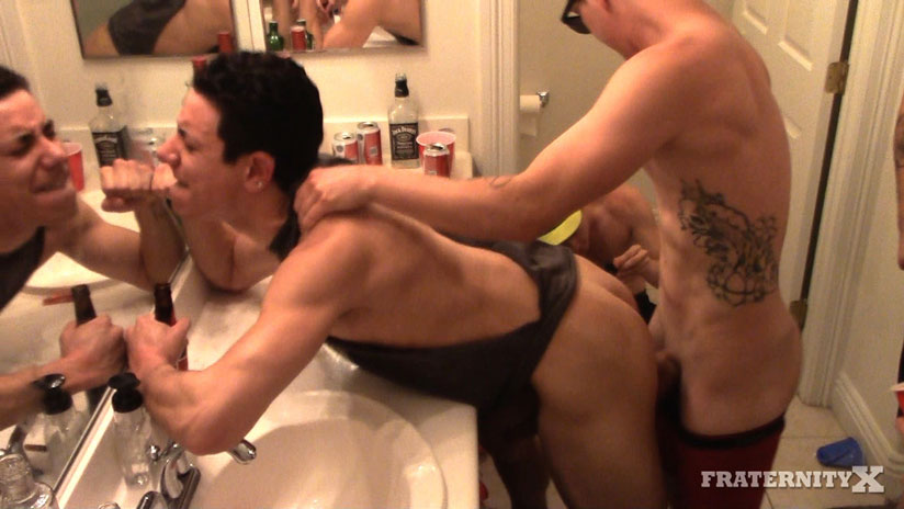 College Frats Bareback a Stud in the Bathroom and Cum In His Mouth