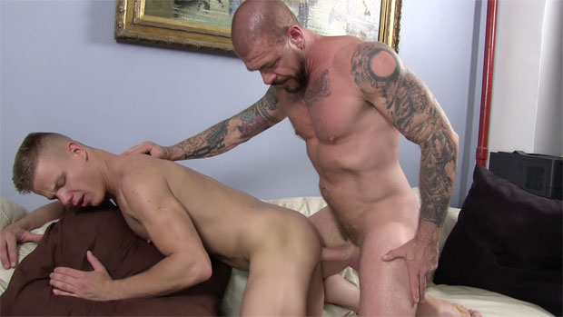 Smooth Bottom Endures the Pain Inside his Ass from his Big-Dicked Top