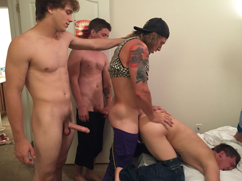 Warm Supple Hole Becomes a Bareback Meeting Spot for Horny College Guys