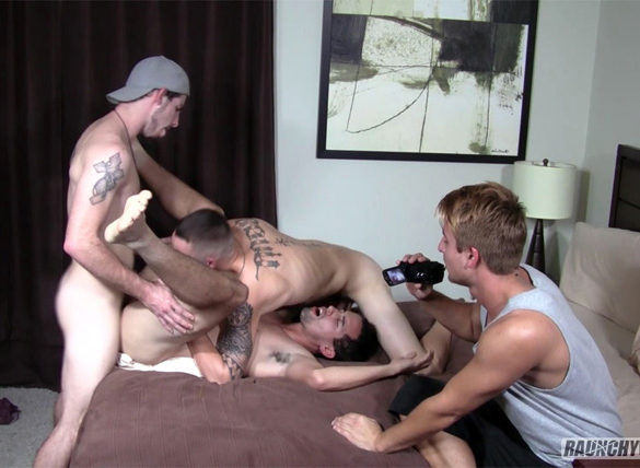 Jared Marzdon, Mike Moretti, Toby Springs and Tristan Sweet Bareback at Raunchy Bastards