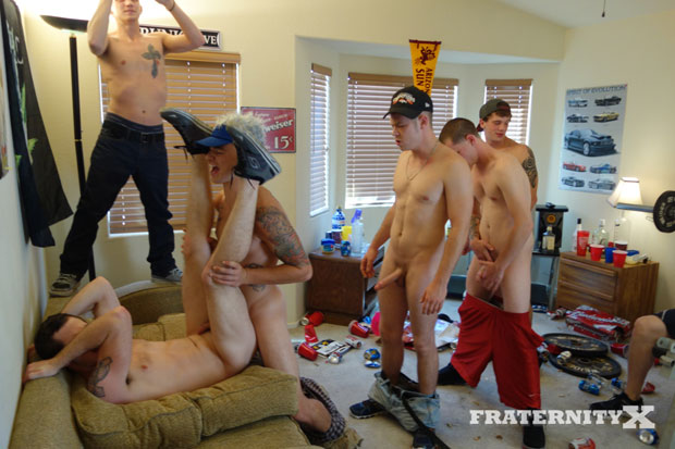 Six Horny Tops Work Their Love Muscles Inside a Twitchy Bottom