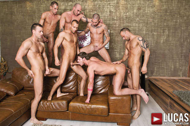 Toby Dutch in a Bareback Gang Bang Including the Visconti Triplets