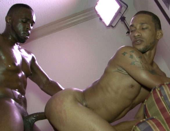 Drae Dixsem and Mr Xclusiv in 'Xclusively Yours' at Black Breeders